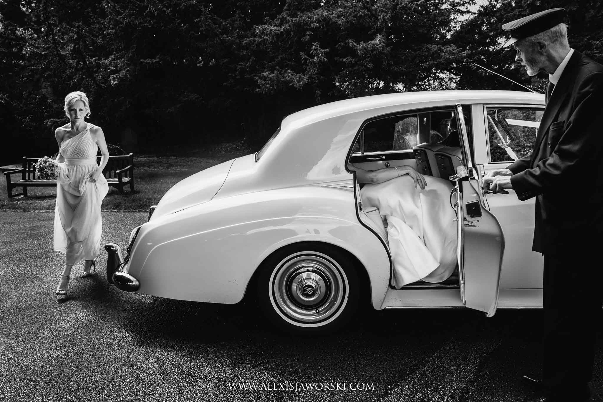 bride arrrival at the church