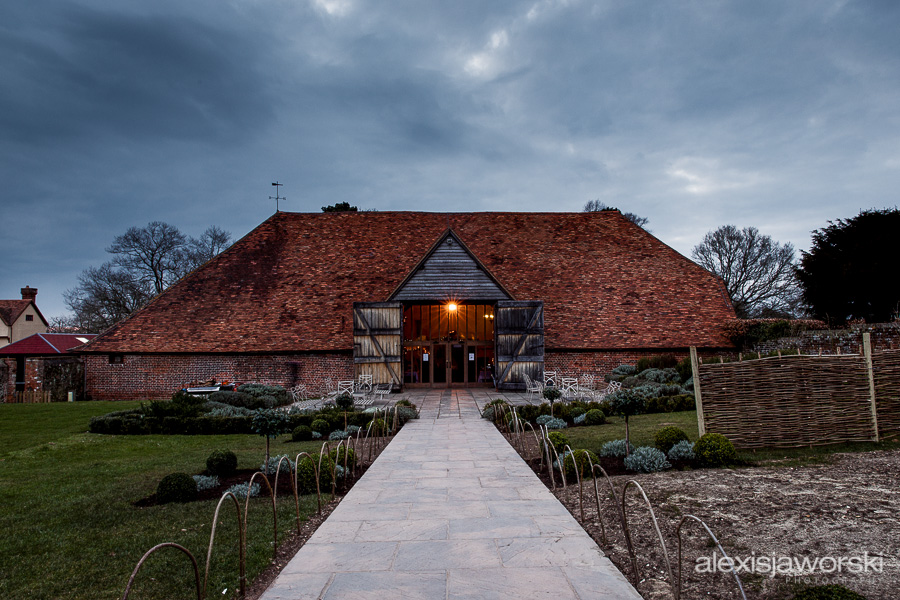 wedding photographer ufton court-234