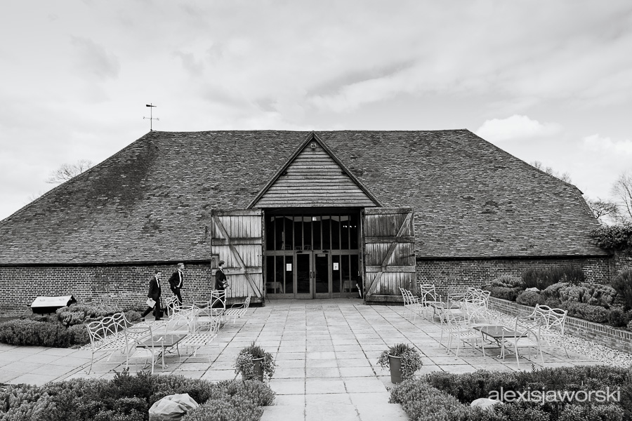 wedding photographer ufton court-5
