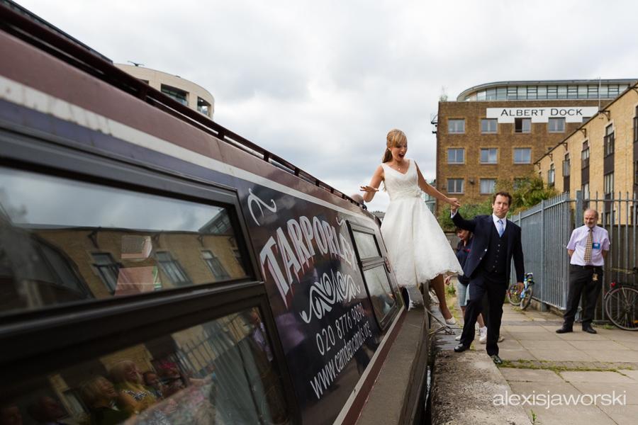 london canal museum wedding photographer-70