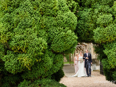 Notley Abbey Wedding Photographer - Helen and Ollie
