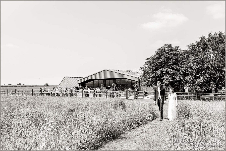 wellington barn wedding photos-11-2