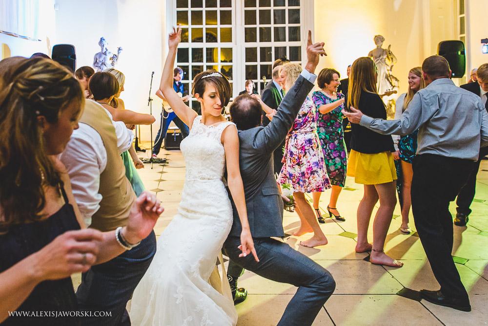 Dancing at Kew gardens