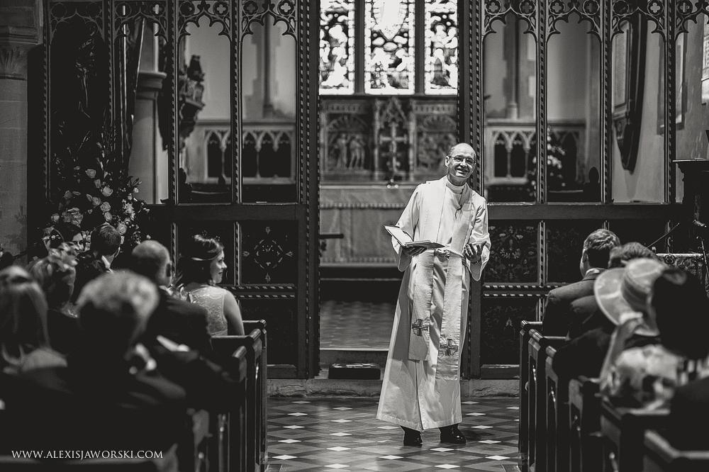 st. nicholas church in hurst berkshire wedding photos-110-2
