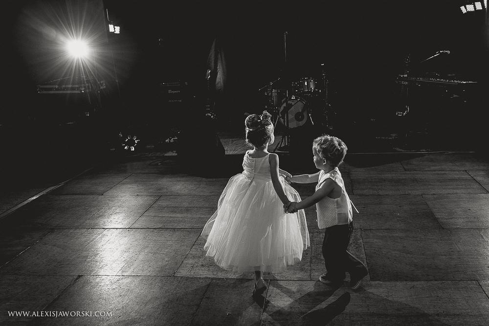 st. nicholas church in hurst berkshire wedding photos-387-2