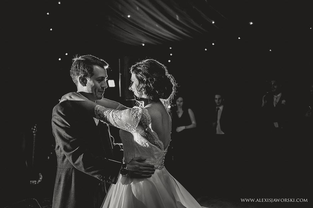 st. nicholas church in hurst berkshire wedding photos-403