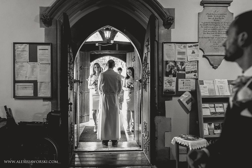 st. nicholas church in hurst berkshire wedding photos-89-2