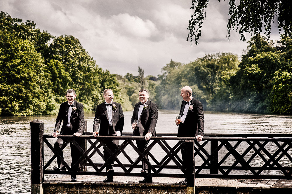wedding photographer in Berkshire-25