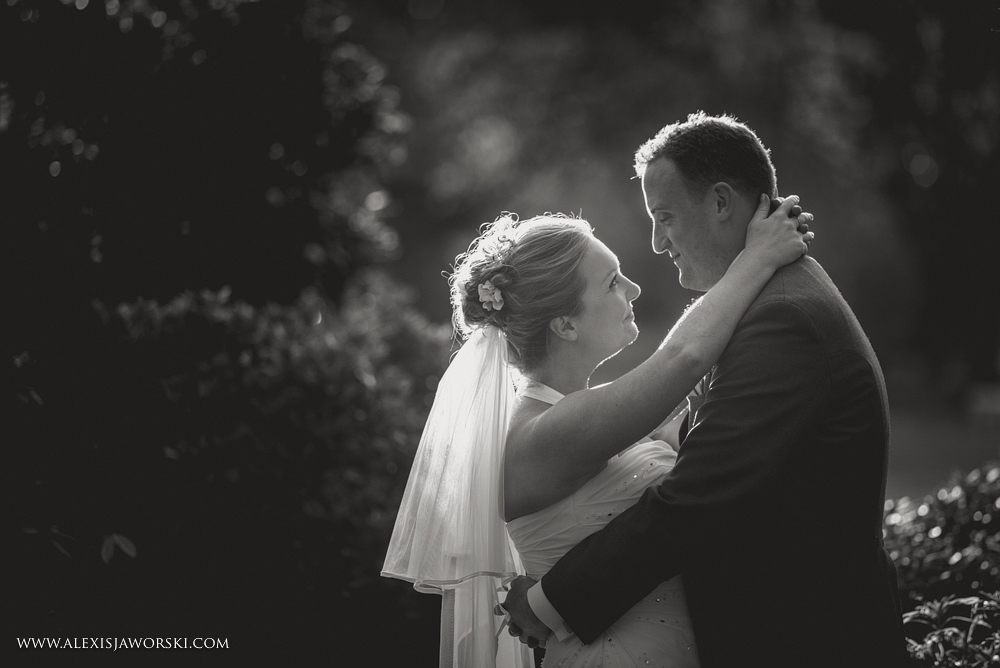 Marquee Wedding Photos in Buckinghamshire-389-2