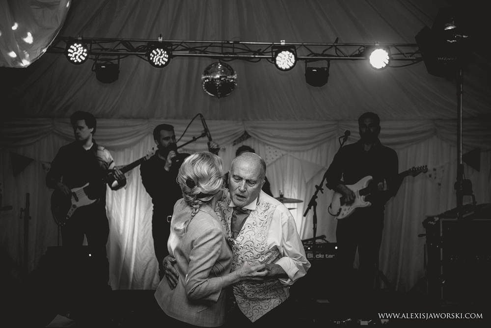Marquee Wedding Photos in Buckinghamshire-434