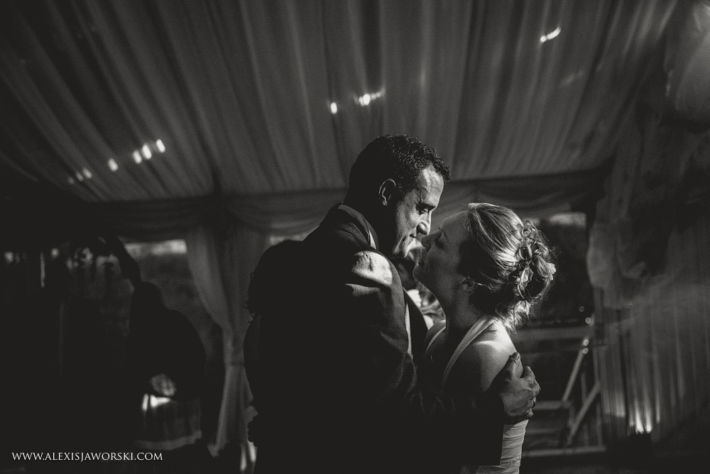 Marquee Wedding Photos in Buckinghamshire-439-2