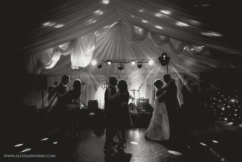 Marquee Wedding Photos in Buckinghamshire-440-2