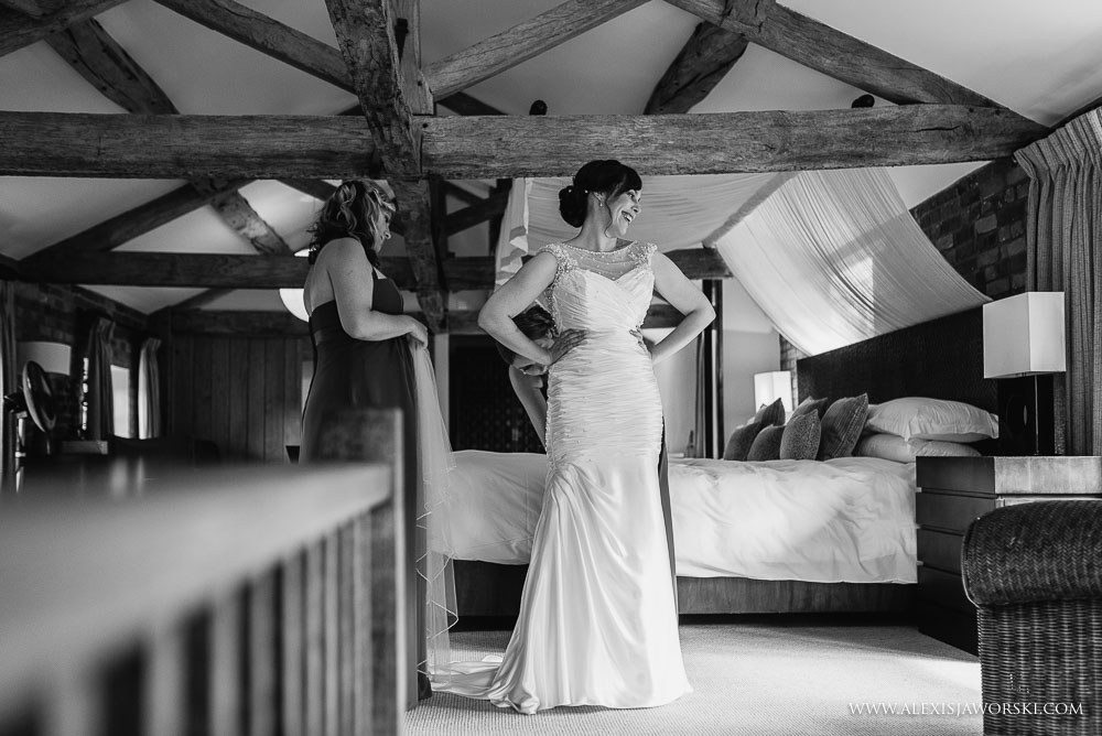 bride getting ready at Wasing Park