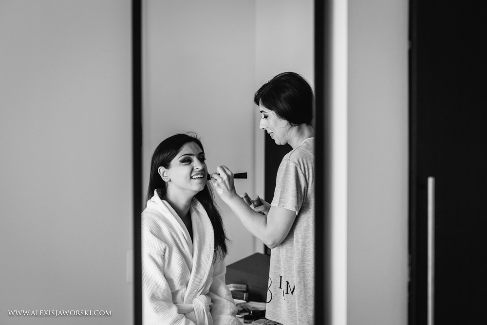 Make up session for the bride