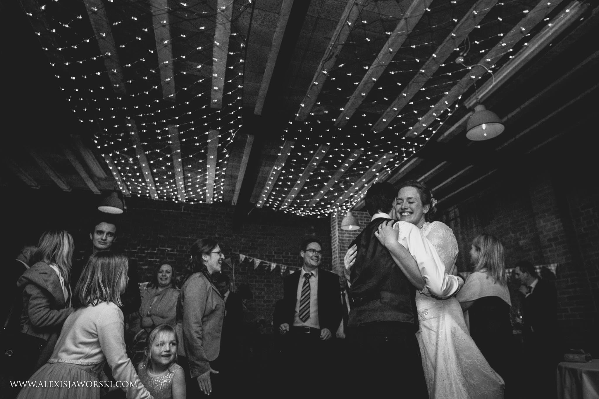 The Cherwell Boathouse Wedding Photos-423-2