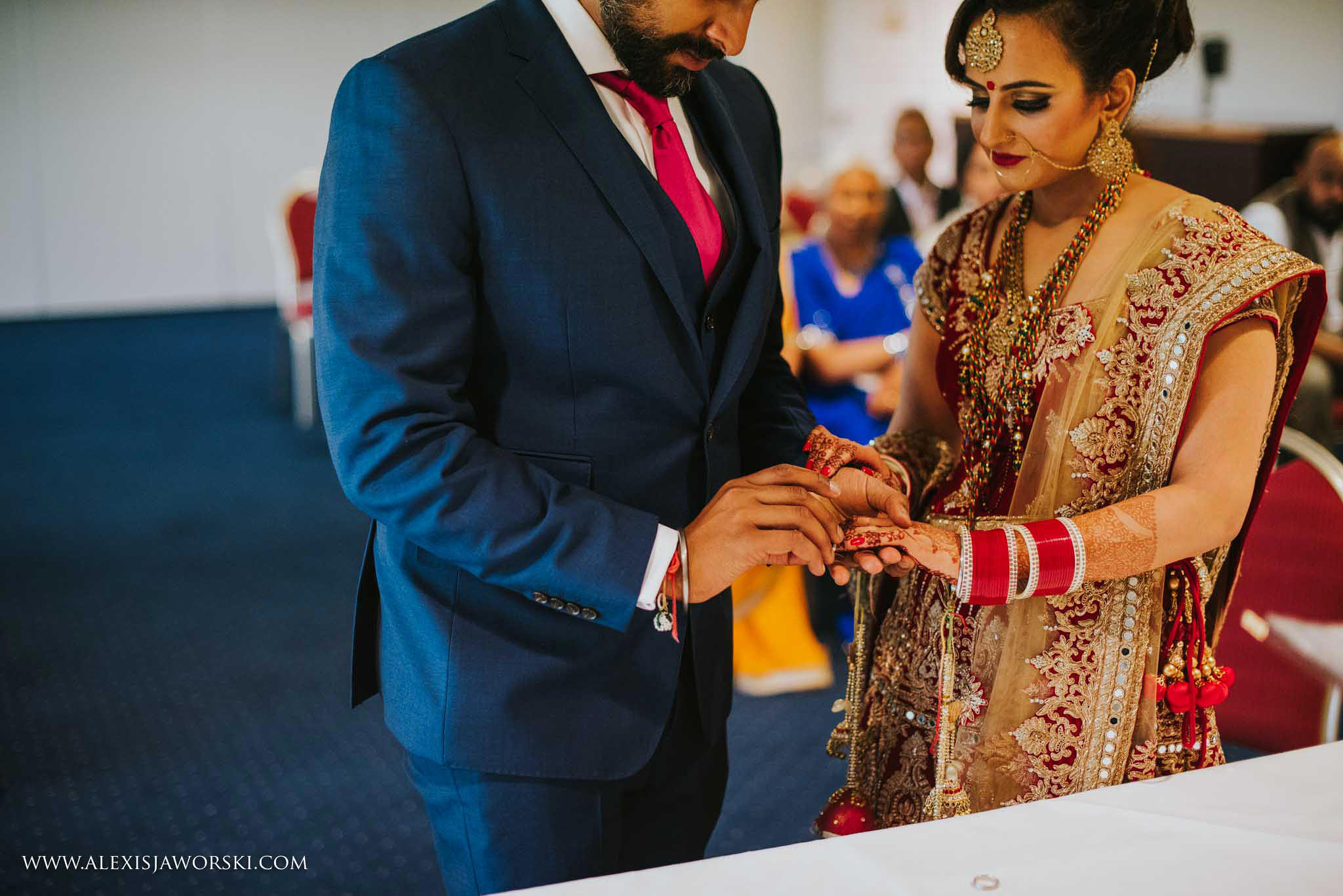 Windsor Racecourse wedding photographer-473-2