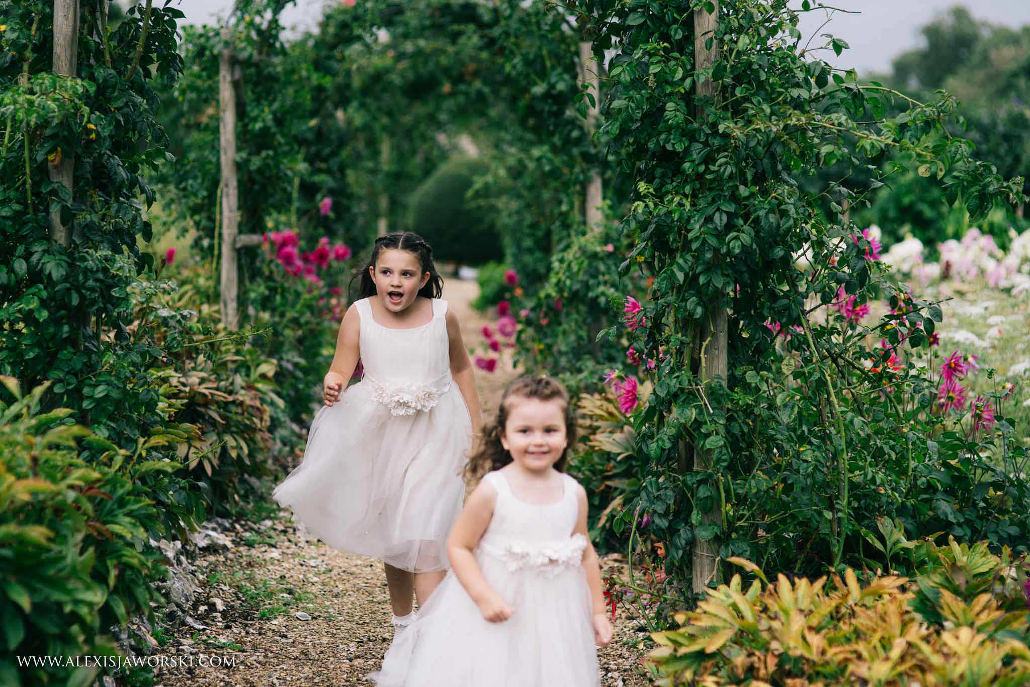 flower girls running around