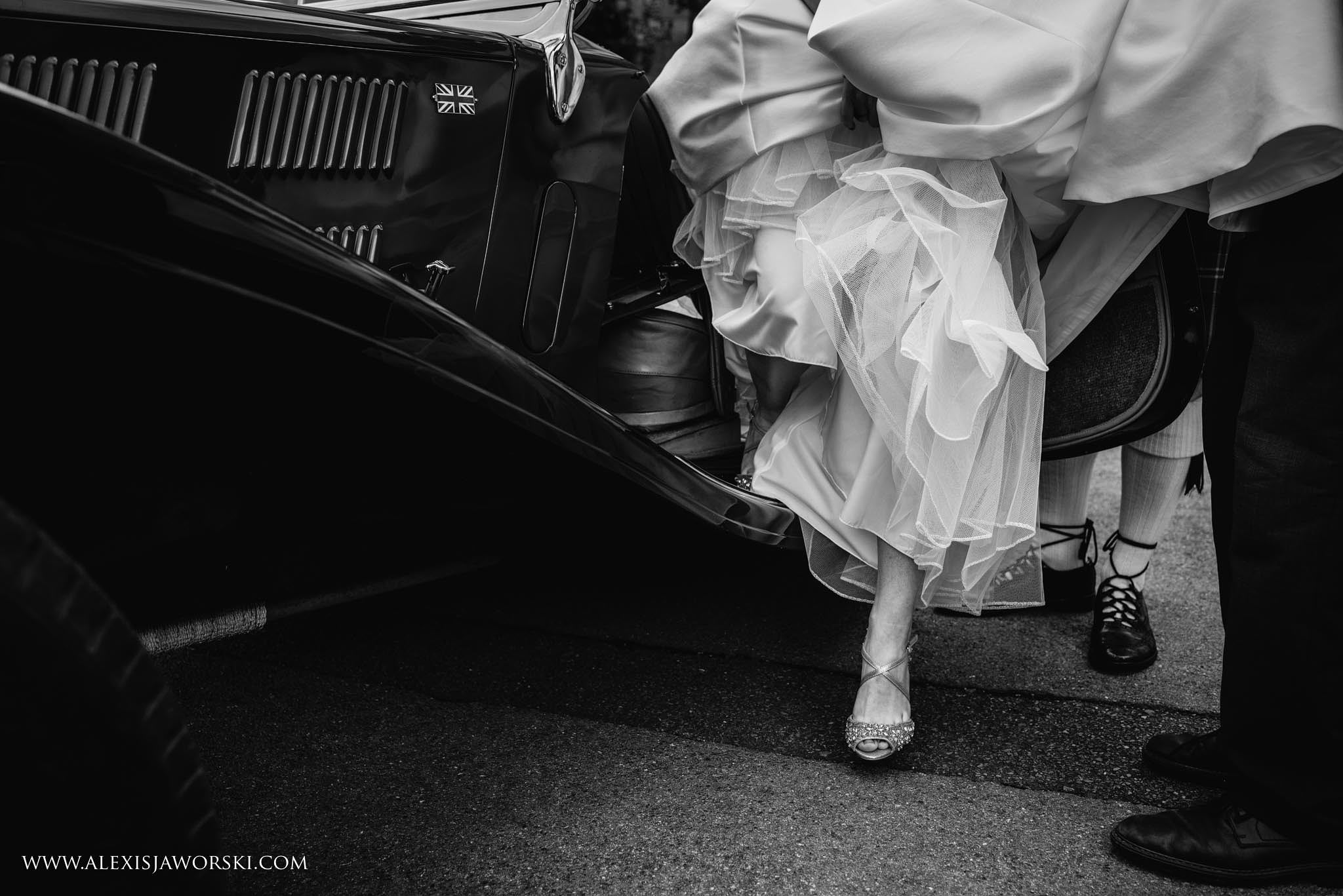 bride coming out of the car