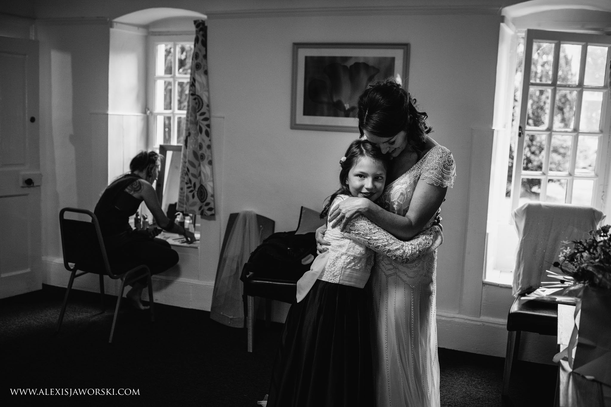 bride hugging niece