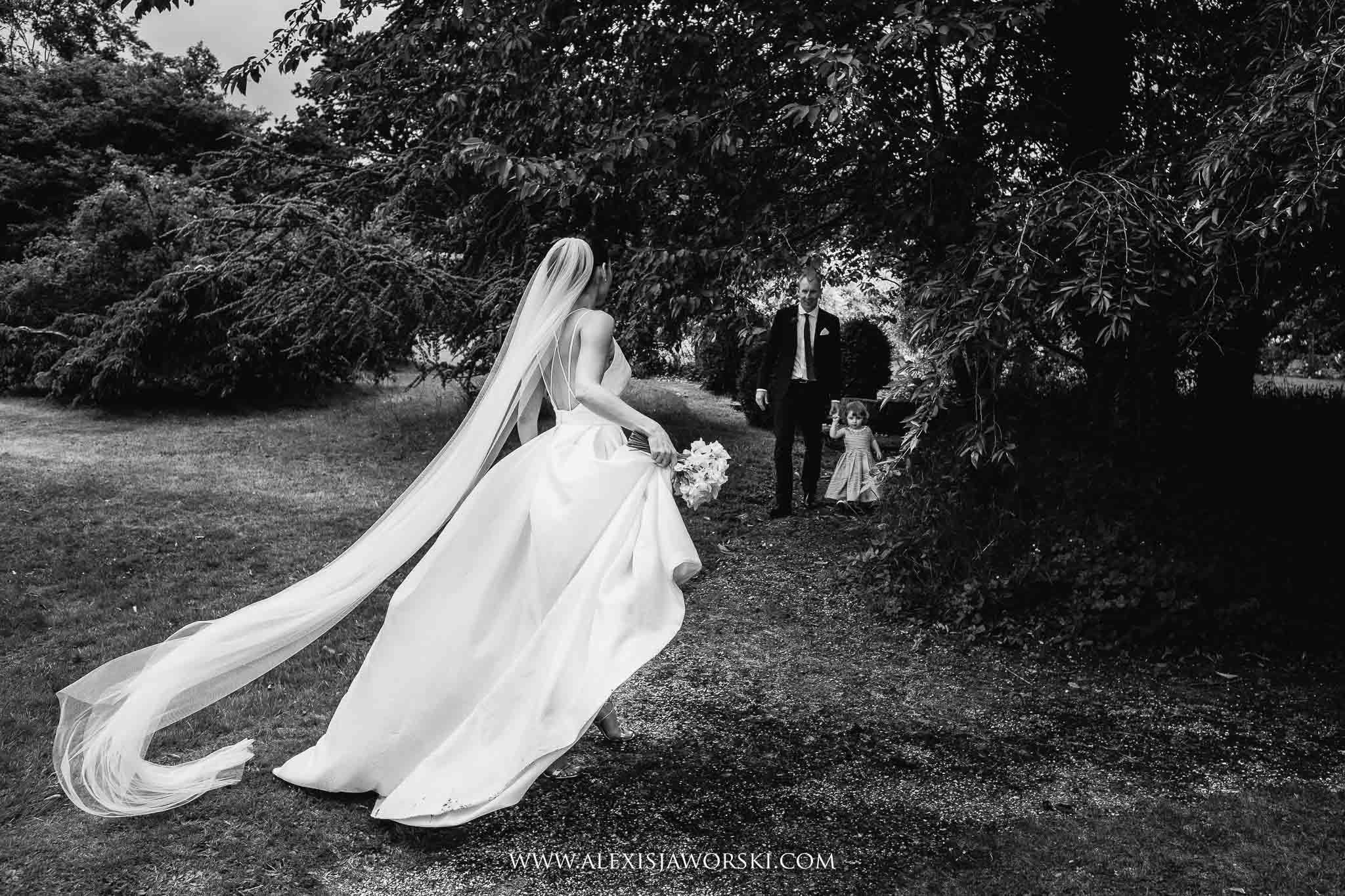bride's veil floating