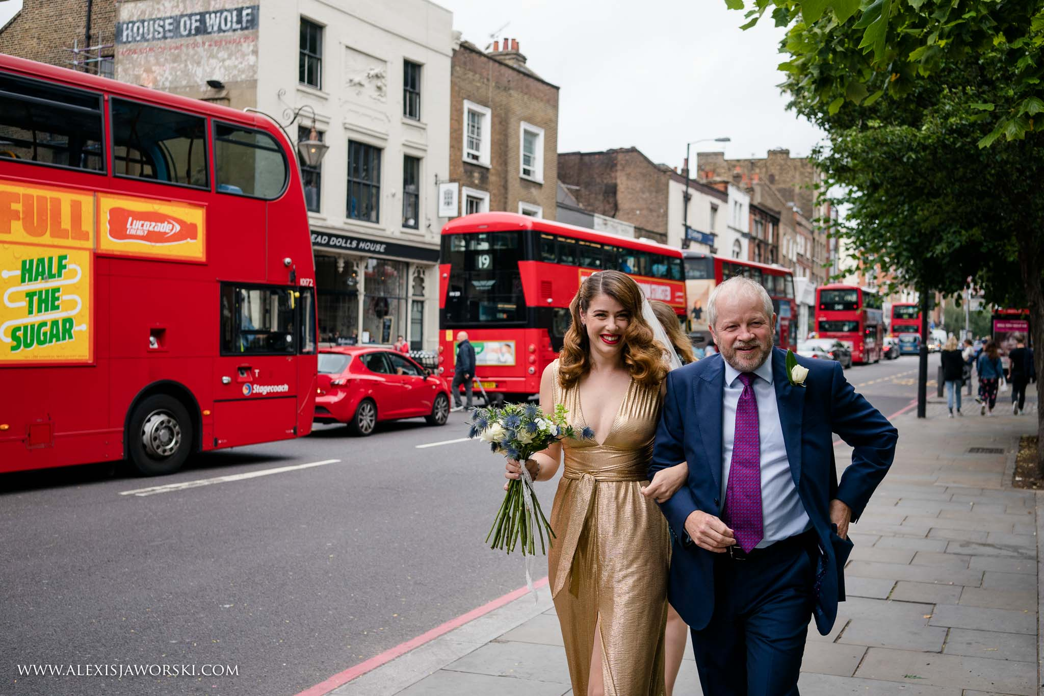 bride arriving to Islington Town Hall