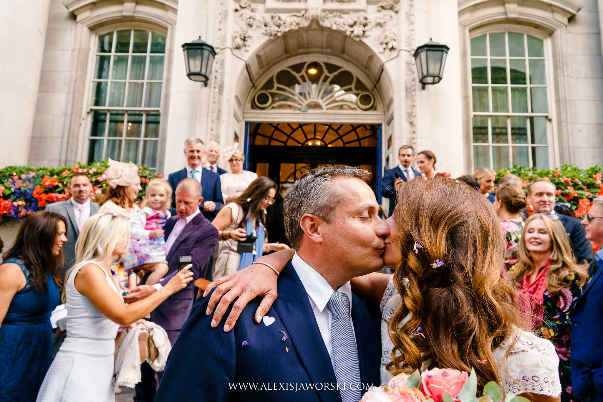kissing in front of the steps