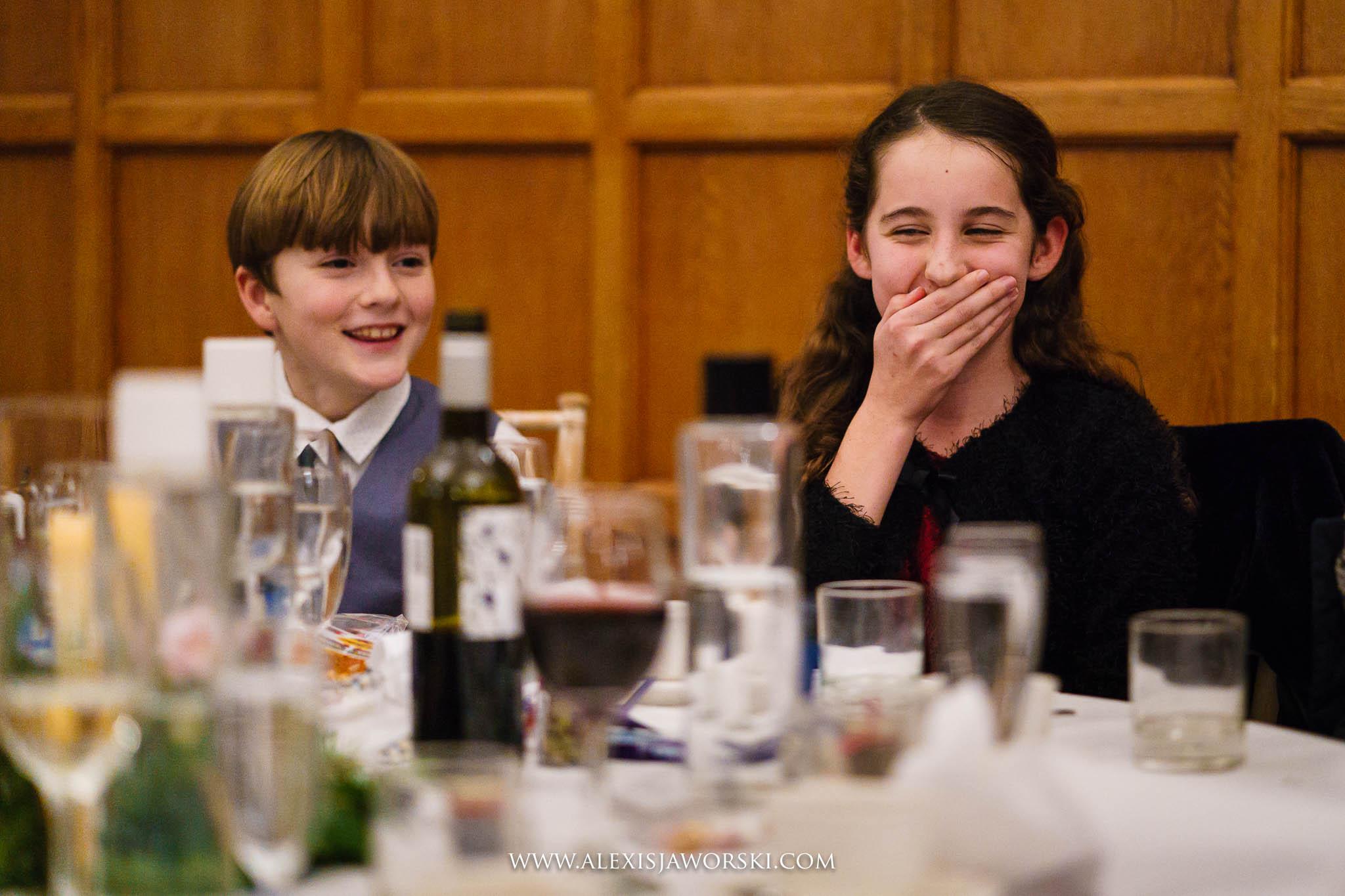 kids laugning