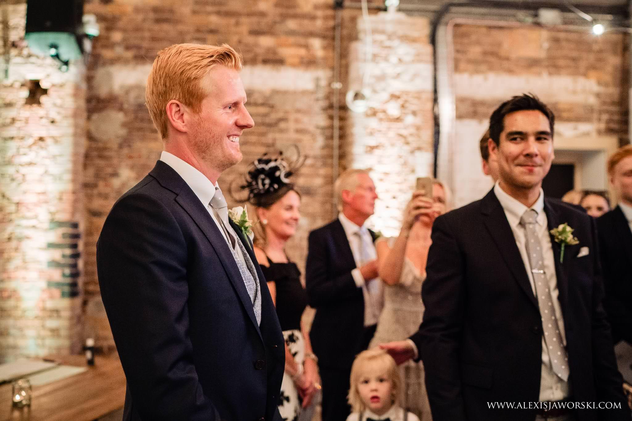groom happy to see bride