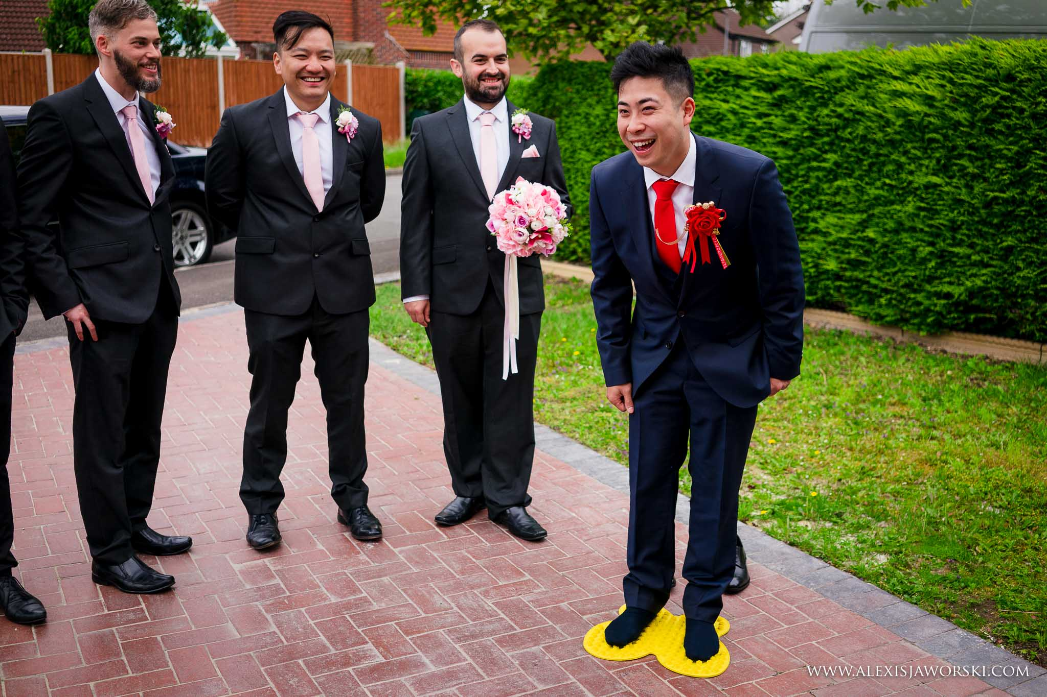 groom's games